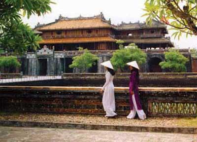 Day 6: Hue - Danang - Hoian (B/L)