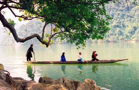 Day 3: Ba Be lake - Hanoi (B/L)