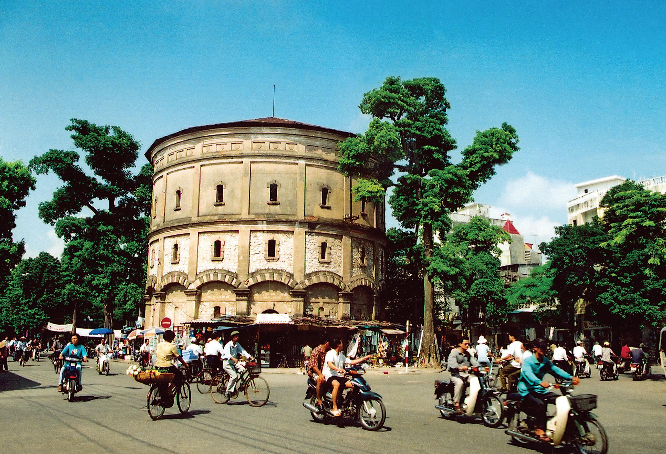 Day 2: Hanoi city tour (B/L)
