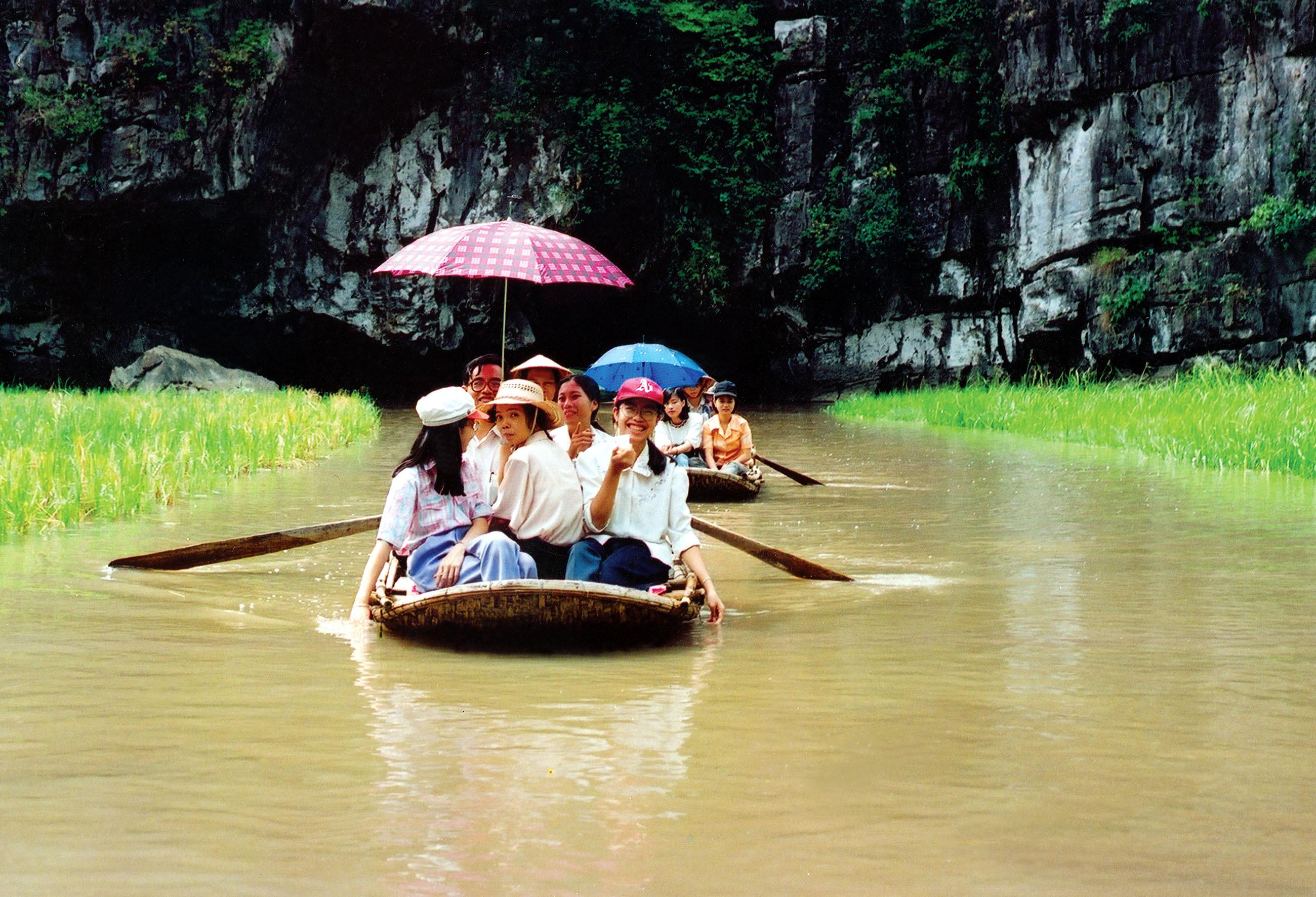 Day 2: Hanoi - Ninh Binh (B/L/)