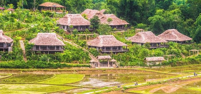 Day 4: Mai Chau –Hanoi (B, L)