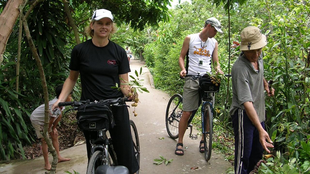 Day 2: Ho Chi Minh – My Tho - Ben Tre – Tra Vinh (B/L/D) (80km)