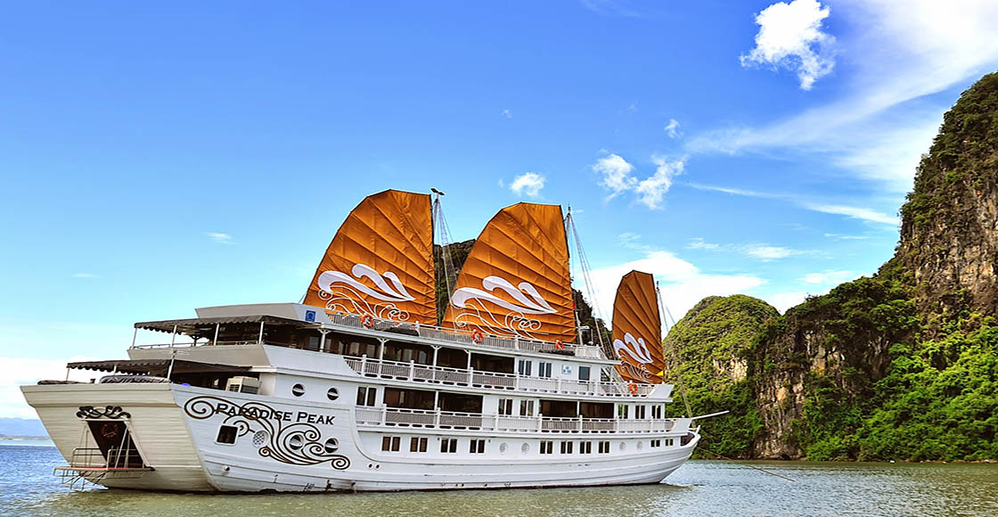 Day 3: Hanoi - Halong bay (B/L/D) – included escort tour guide and private transfer from/to Hanoi
