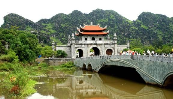 Day 5: Hanoi -  Ninhbinh (B/L/D)