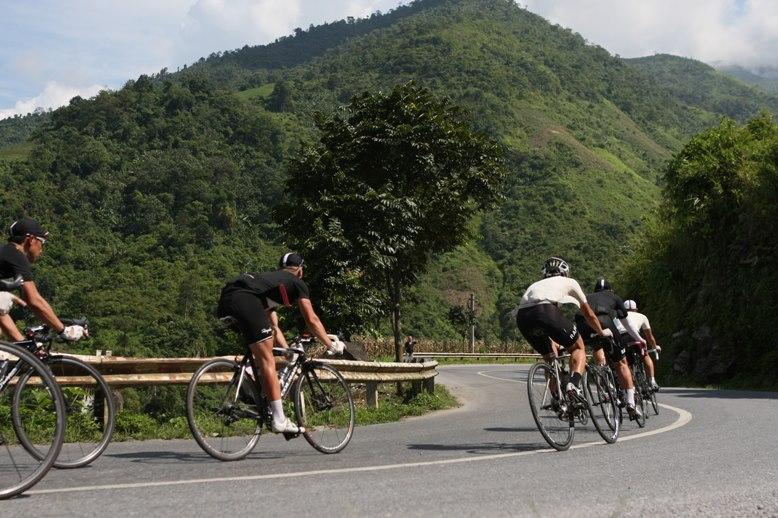 Day 9: Cana to cycling (125 km, asphalt road) Muine (B/L)
