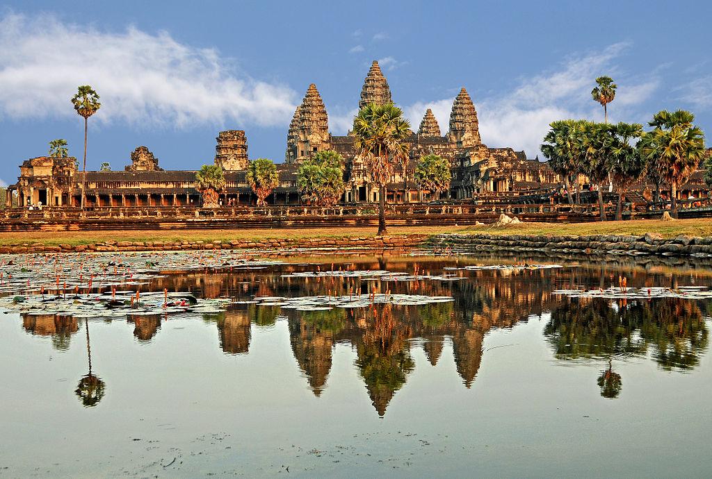 Day 17: Phnom Penh – Siem Reap (B/-/D)