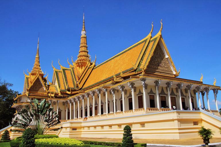 Day 4: Chau Doc - Phnom Penh (B/L/D)